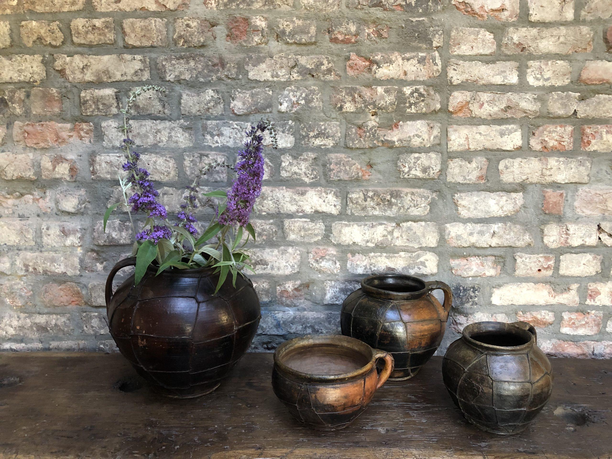 pots de style primitif