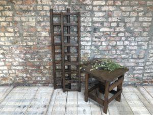 Anciennes échelles en bois