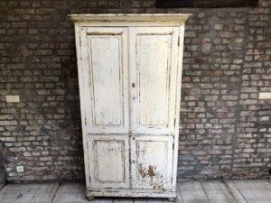 ancienne armoire de style romantique, armoire patiné