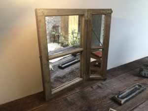miroir fenêtre - ancienne fenêtre transformée en miroir