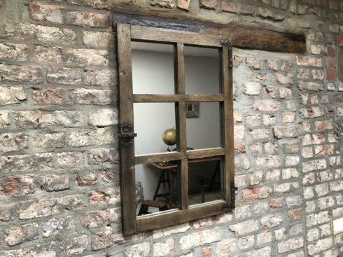 miroir fenêtre en bois