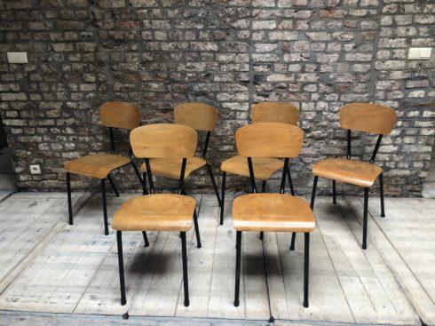 chaises d'ecole