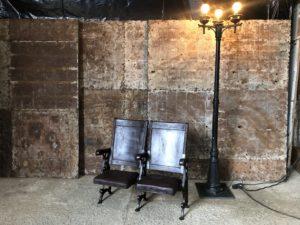 fauteuils de théatre époque victorienne