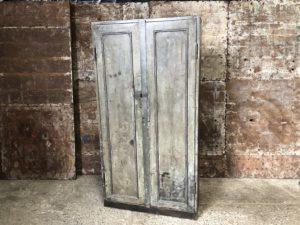 ancienne armoire idustrielle