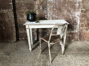 table patine blanche
