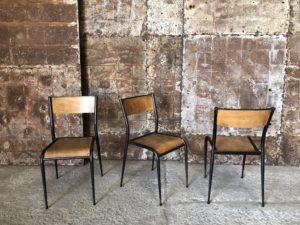 chaises d'école