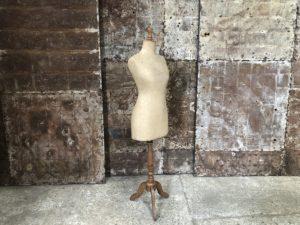 ancien mannequin - buste de couture