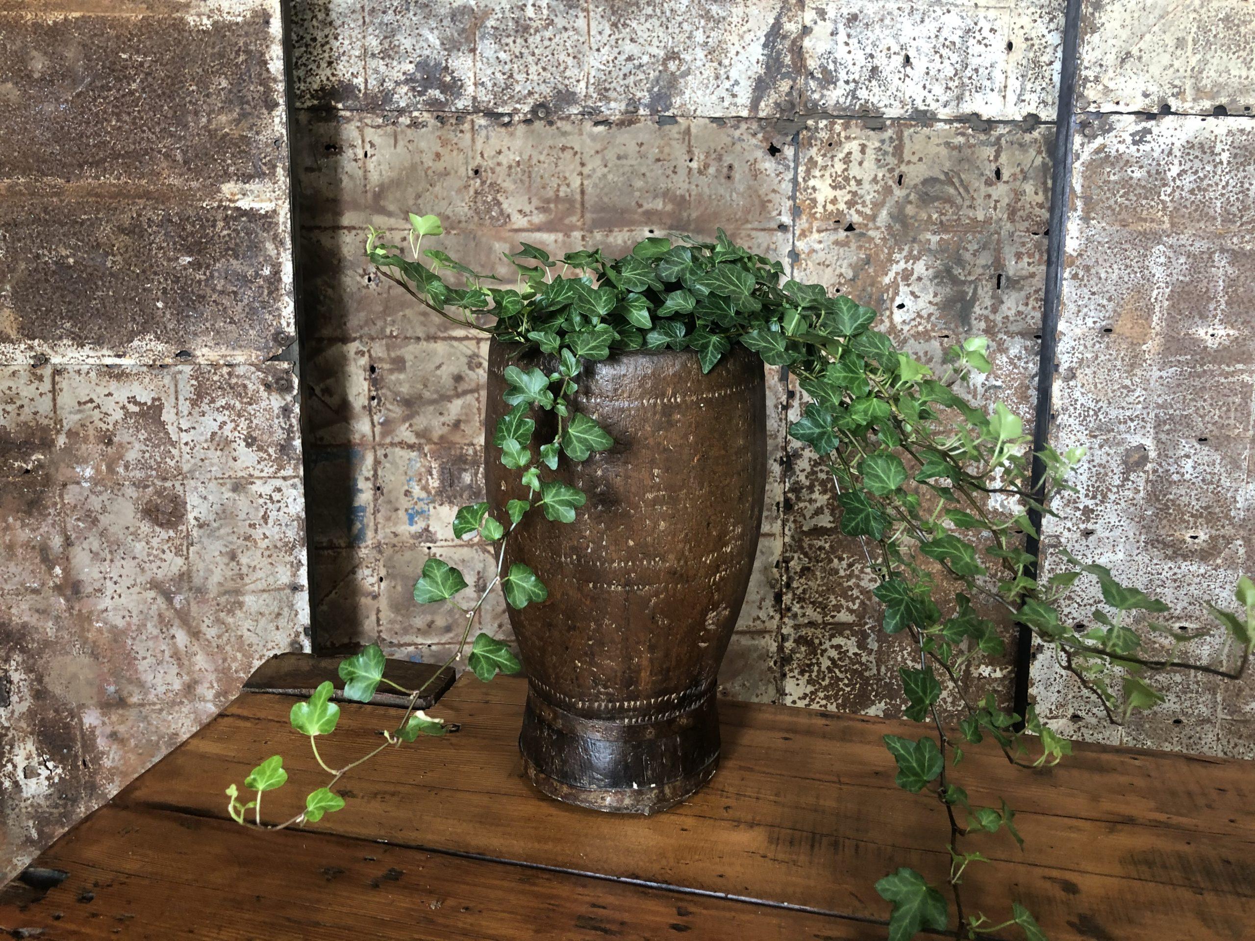 ancien pot africain en bois