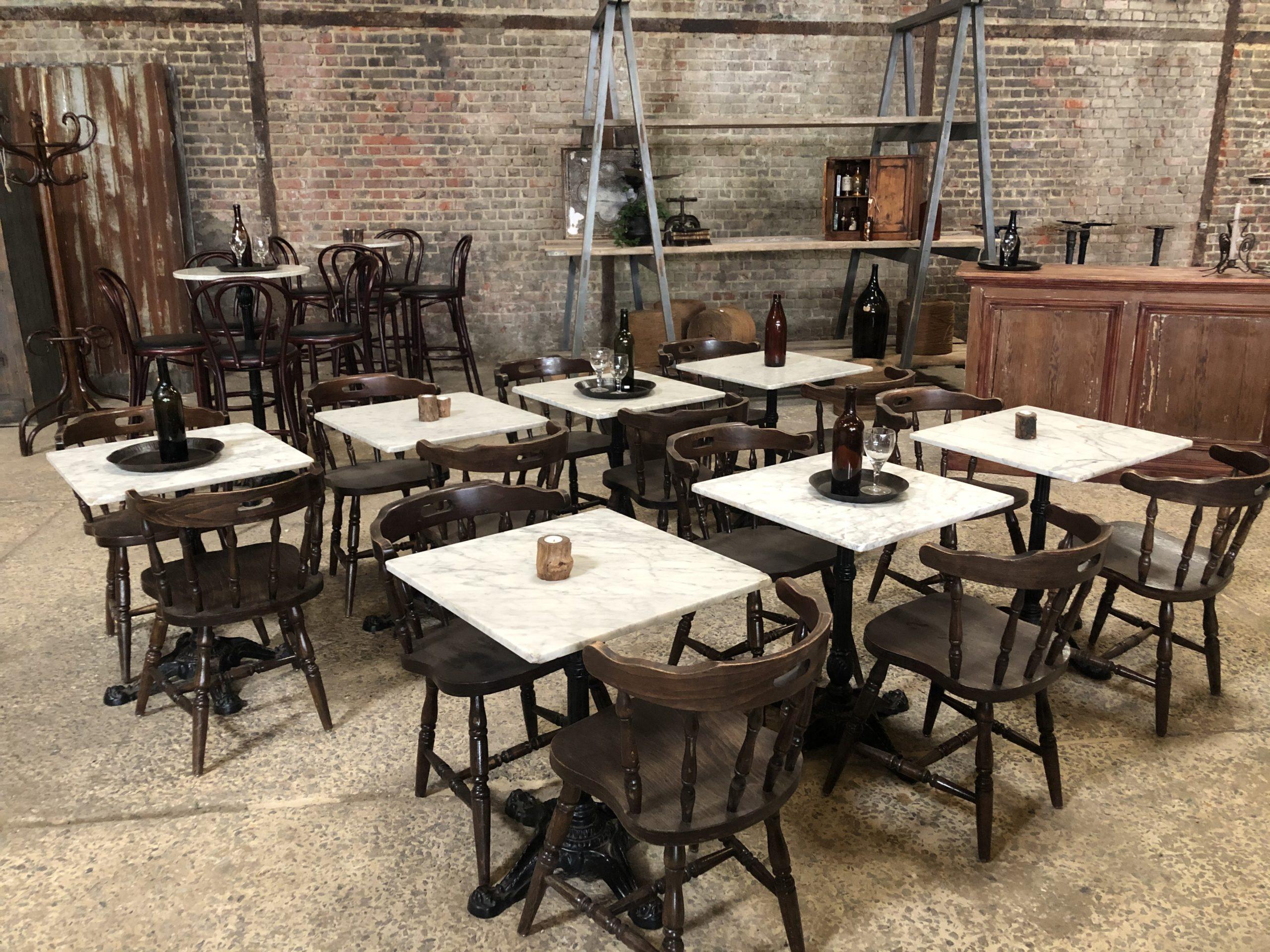 tables bistrot carrés