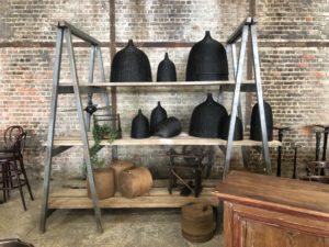 Étagère tréteaux bois patinée vintage meuble insolite meuble de métier
