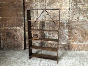 Ancienne étagère en bois patinée