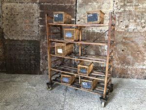 ancienne panetière et paniers à coton