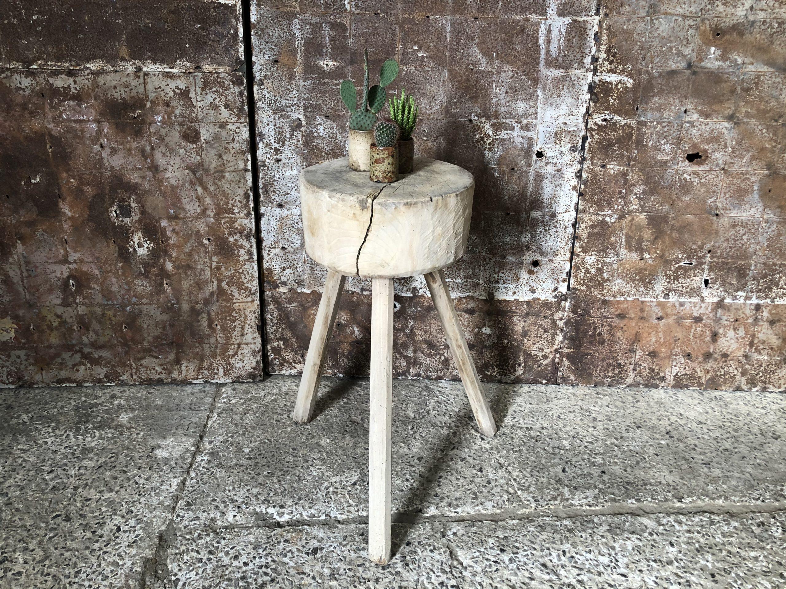 Ancien petit billot de boucher en bois clair