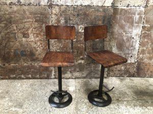 Tabourets industriels - chaises haute de bar