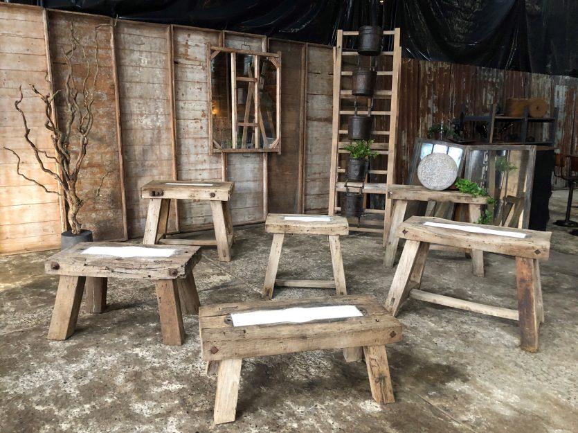 Tables style primitif