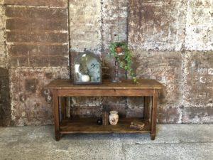 Petite table de drapier