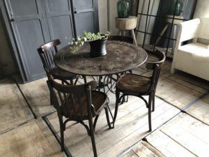 Table ronde de jardin en métal