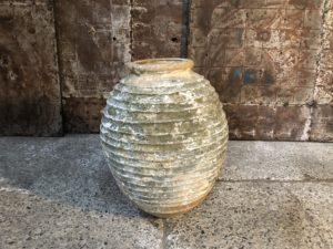 Ancienne jarre à olives grecque