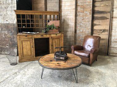 Ancien meuble de métier -, bureau tri postal en bois patiné