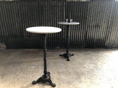 Table mange debout en marbre blanc pour terrasse café